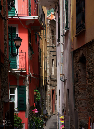 Crowded Space in Corniglia