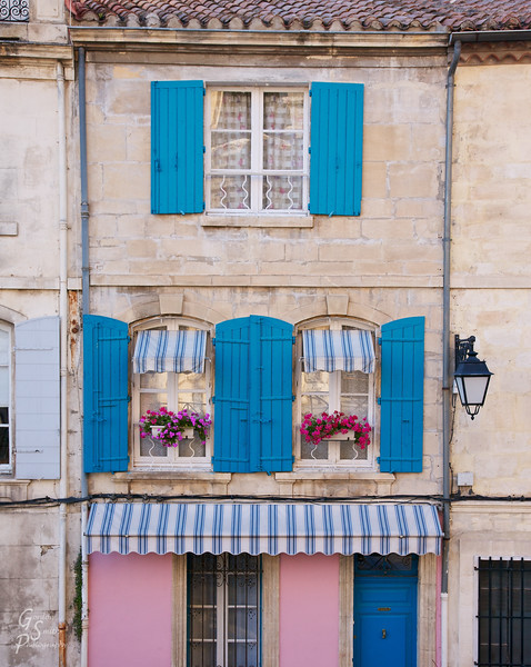 Arles Window<br /> each windows has its own personality!