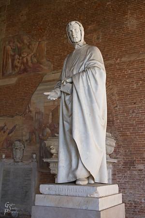 Leonardo Fibonacci Statue
