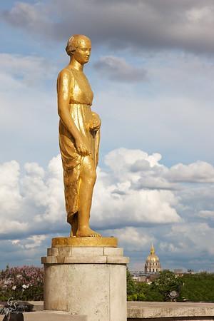 Trocadero Statue of Girl