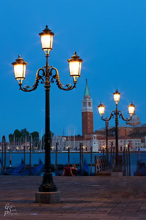 Two Lamp Posts, Six Lights