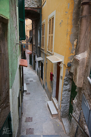 Vernazza Alley