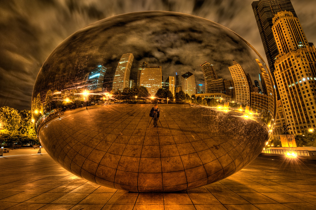 2011/06/25 : Caught in the Bean known as Cloud Gate