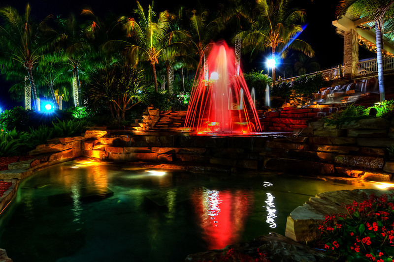 "Paradise Fountain<br /> <br />  <a href=""http://sillymonkeyphoto.com/2011/01/06/paradise-fountain/"">http://sillymonkeyphoto.com/2011/01/06/paradise-fountain/</a>"