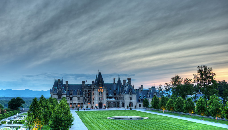 "Biltmore House<br /> <br /> <a href=""http://sillymonkeyphoto.com/2012/05/19/biltmore-house/"">http://sillymonkeyphoto.com/2012/05/19/biltmore-house/</a>"