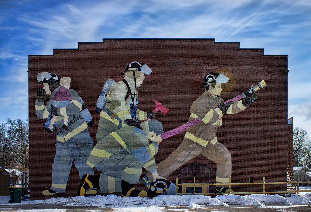 Another nice mural in the town of Mascoutah, IL population approximately 6000.