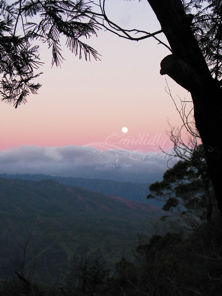Moon rise over Waimea Canyon - SOOC