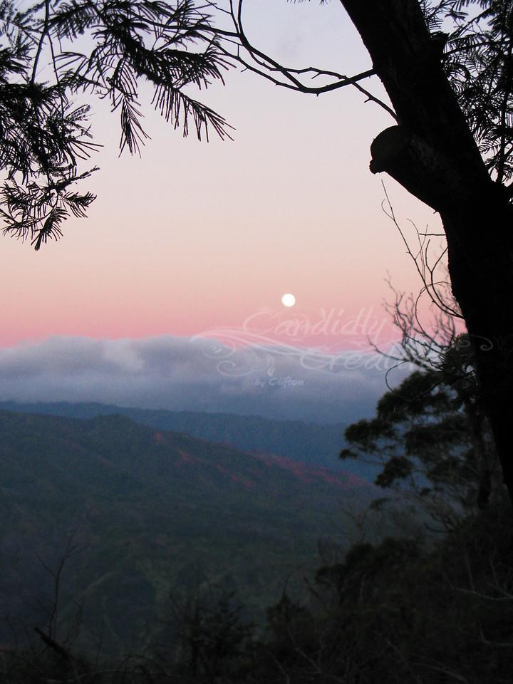 Moon rise over Waimea Canyon - SOOC