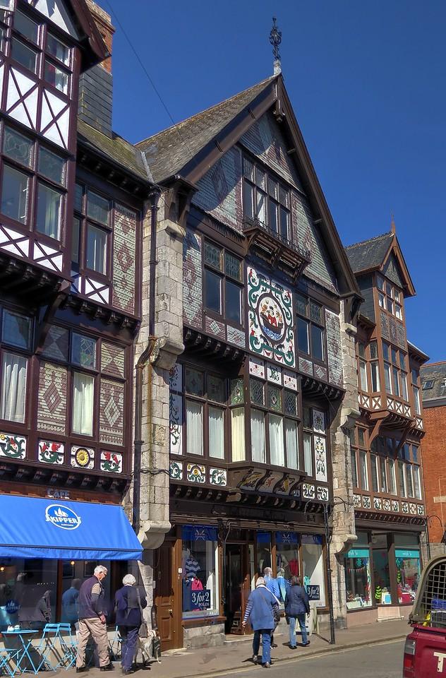 Atractive façades in Dartmouth