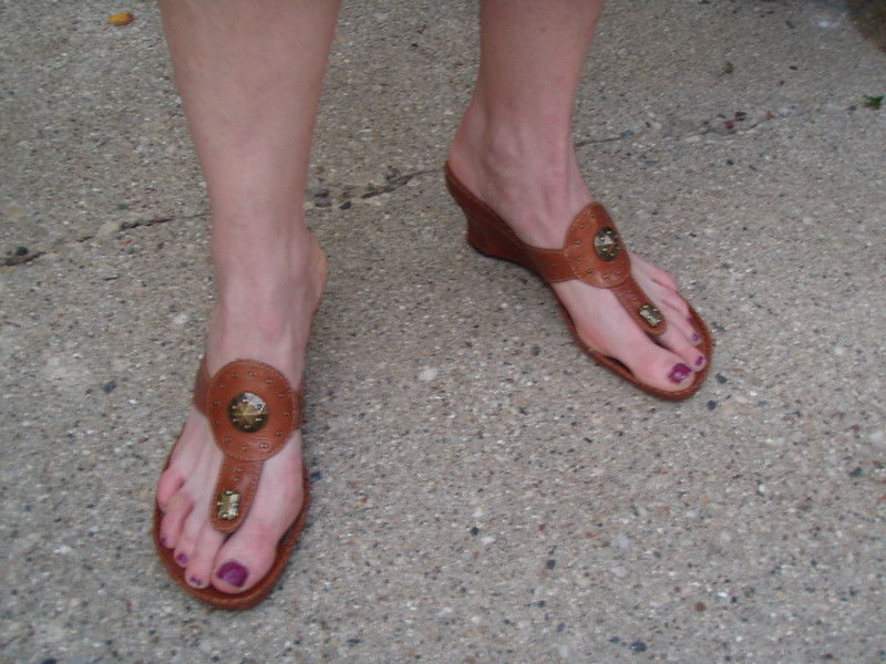 Kathryn -- thanks for painting your toenails to match the lavender theme at the wedding.
