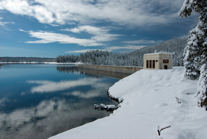 Looking towards the Shaver Lake Dam pic1