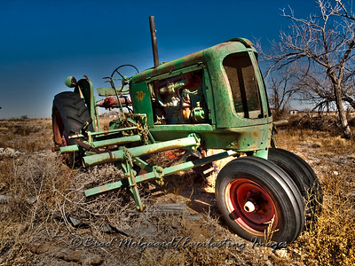 1945 Oliver Model 70 Row Crop-Yeso, New Mexico (HDR toning)