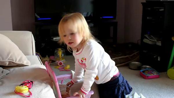 """Ashley sings """"Happy Birthday"""" Mommy"""