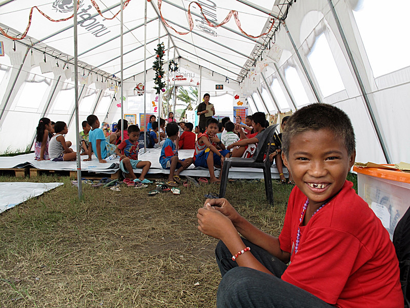 Children undergo stress debriefing in Tacloban City