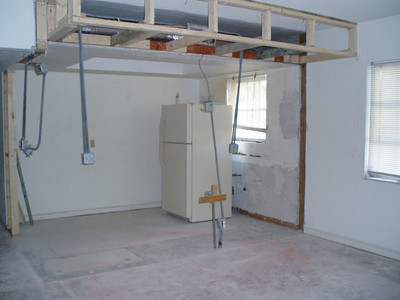 Kitchen (thru nonexistent wall)
