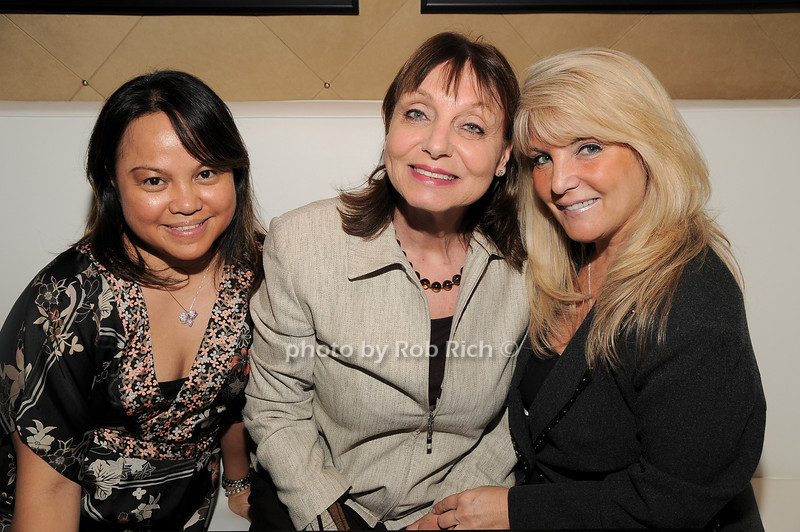 Celia DeDios, Liz Nightengale, Marianna Morello<br /> photo by Rob Rich © 2010 robwayne1@aol.com 516-676-3939
