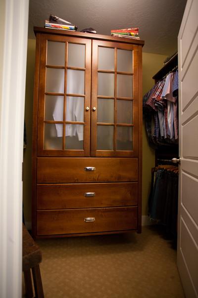 Deron - Home furniture