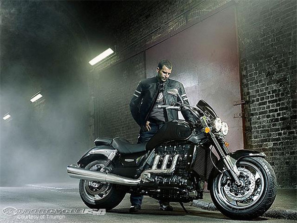 2010-Triumph-Rocket-Roadste