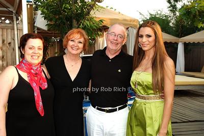 Amy Grimm, Sue Grimm, Bob Grimm, Diane Passage photo by Rob Rich © 2008 516-676-3939 robwayne1@aol.com