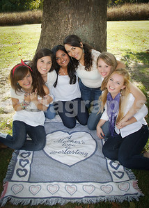Girls on a Blankie-
