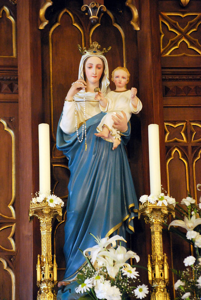 Queen of Heaven, rejoice, alleluia.