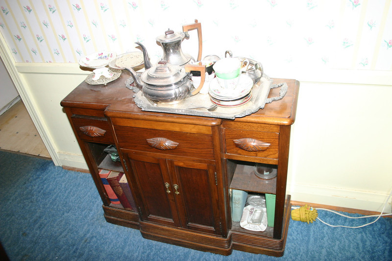The converted wash stand was either made or refinished by Gregory's grandfather Daw Willie Ernie Smith.   It is a Specific Bequest to Dale.  Would Dale confirm through Jessica to Gregory whether or not she wants it.