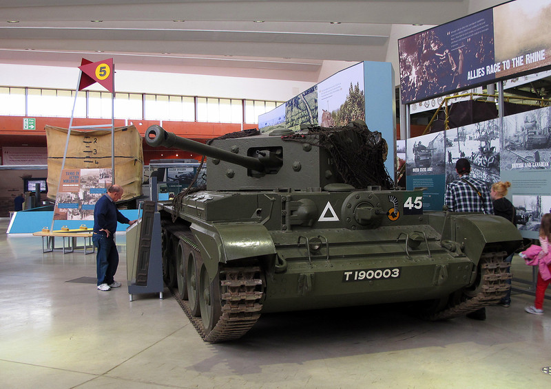Don gives a Cromwell IV tank from 1944 the once over.