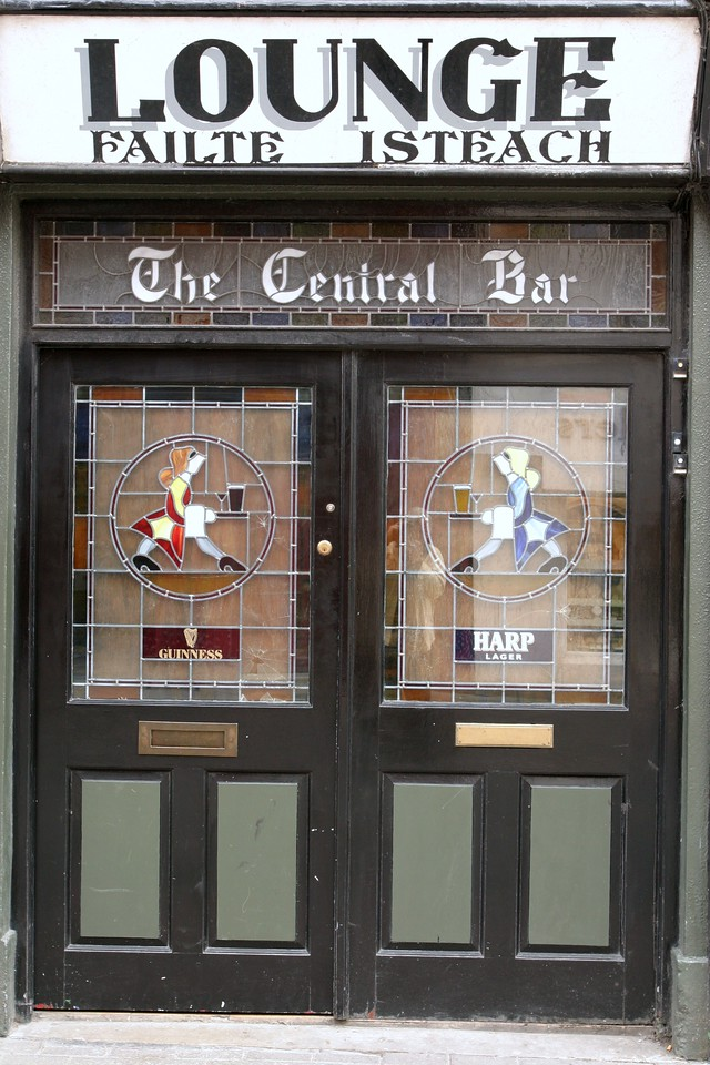 The Central Bar - Pub