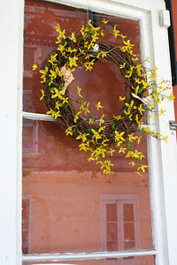 Window with wreath French Quarter, New Orleans, La.