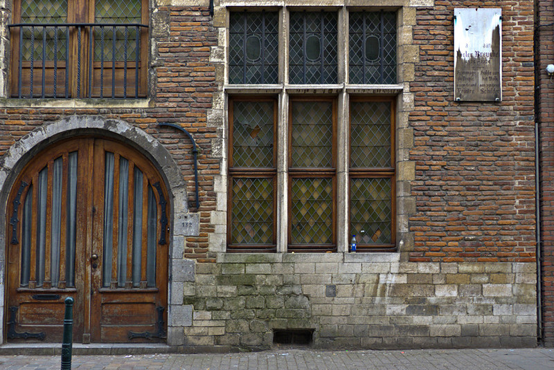 Entrance to the house where the painter Peter Bruegel (1525-1569) lived while in Brussels, Belgium