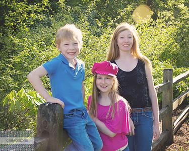 Kids on Fence-