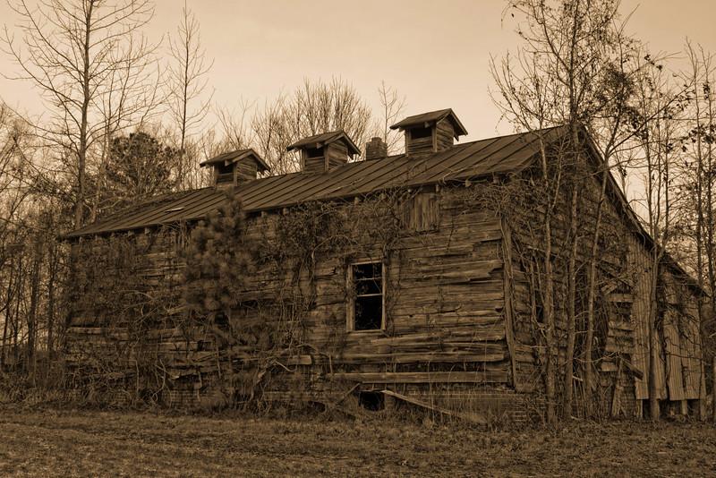 Barn on Hwy 264 near Plymouth