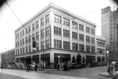 Levy's Department Store during the 1930s. Photo by Jack Spottswood. Courtesy of State Archives of Florida, Florida Memory, http://floridamemory.com/items/show/52828