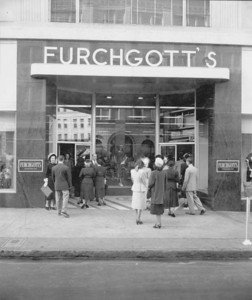 Women waiting outside the front of Furchgott's in 1949. Photo by Jack Spottswood. Courtesy of State Archives of Florida, Florida Memory, http://floridamemory.com/items/show/51260
