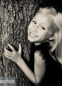 Mia Tree crop warm bw-