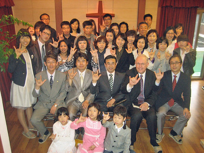 Dr. Evans in Korea meeting with a Deaf Ministry congregation