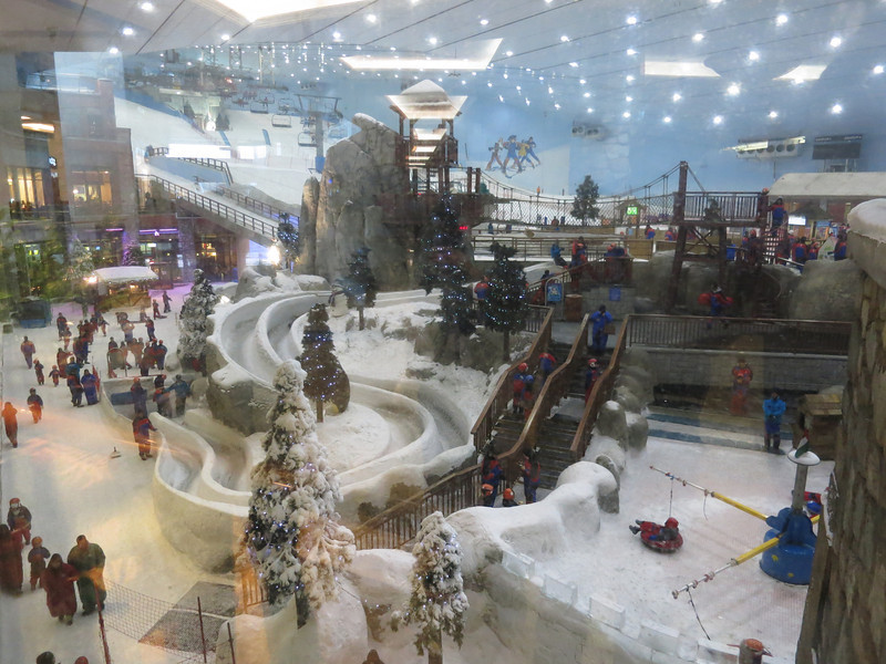 The indoor skiing area in the Mall next to Dale's house (I'm staying with Dale, a friend from elementary/middle school who is working in Dubai).
