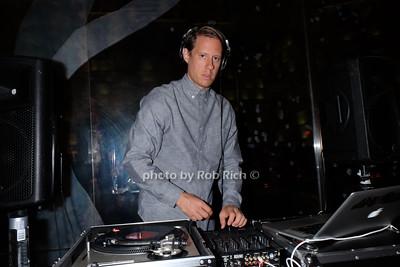 DJ photo by Rob Rich/SocietyAllure.com © 2014 robwayne1@aol.com 516-676-3939