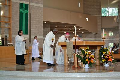 The start of Mass.