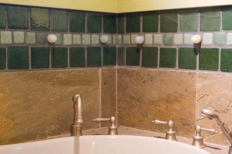 lowrr bath detail