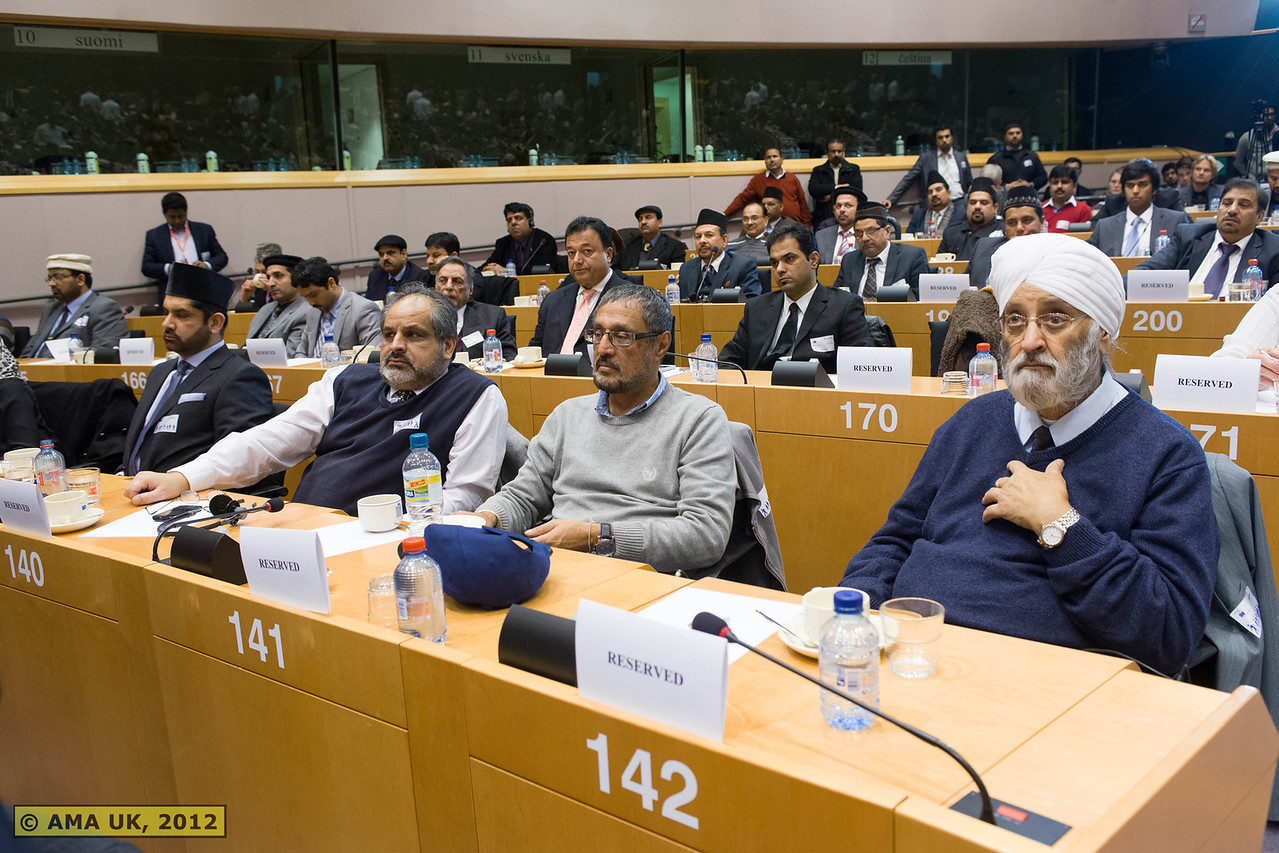 EU6_1038: Guests from different organisations, media and faiths were present at the event