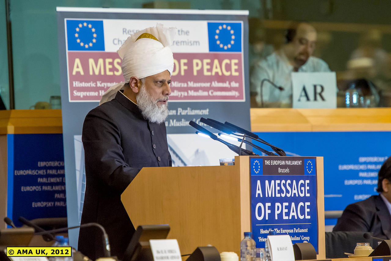 """EU3_0230: """"The Khalifa spoke about widespread concerns over increasing levels of immigration to Western countries. In a detailed analysis, His Holiness said the issue was leading to the spread of 'restlessness and anxiety'. His Holiness blamed both the immigrants and the indigenous people for the state of conflict, whereby many immigrants provoked locals by refusing to integrate, whilst certain segments of the local society were intolerant to outsiders. He said the consequences of such division were far reaching and so he called on all parties to work together to resolve the issues."""" (Press Release)"""