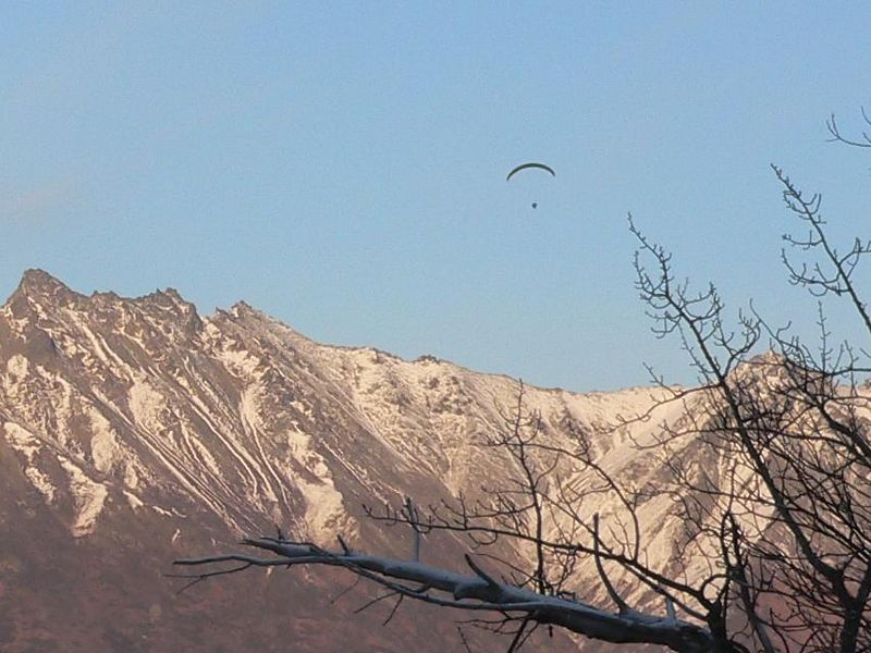 Powered hanggliding over the Knik River