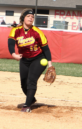 Photo by Chris Martin<br /> Alexandria's Cassie Enlow pitches against Pendleton in the County Tournament