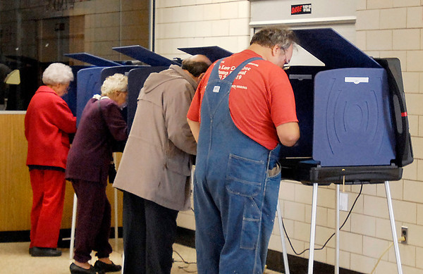 Voting machines were full around Madison County Tuesday morning like ward 1, precinct 7 at East Side Intermediate School.