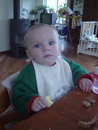 Elise eating