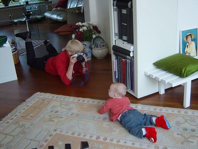 (C'mon Elise, show grandma how good you can crawl!) Grandma, whatcha doin?