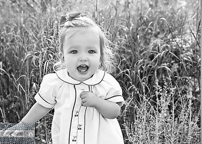Eliz in the Tall Tall Grass   bw (1 of 1)