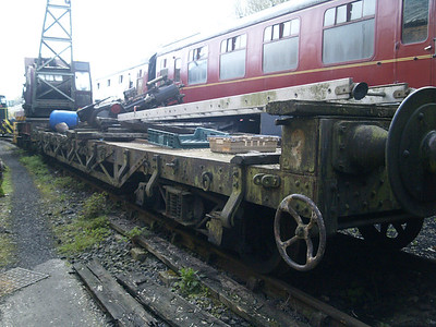 633433 LNER 40t Bogie Flat Dolphin   30/04/16.