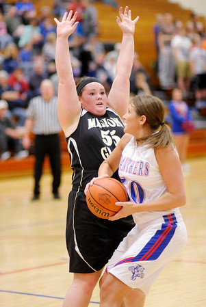 Don Knight / The Herald Bulletin<br /> Elwood faced Madison-Grant in the sectional semi-final on Friday.